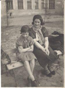 03 - Anita Galliussi con la madre Mira Ronco a Ivanovo, URSS nel 1936