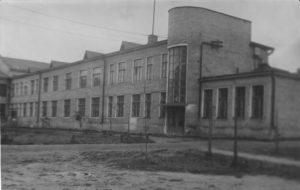 05 - Uno degli edifici della scuola del Soccorso Rosso di Ivanovo.