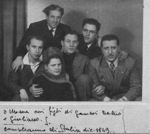 20- Seniga a Mosca nel 1949 con i gigli di Gramsci, Matteo Secchia e Mario Spallone.