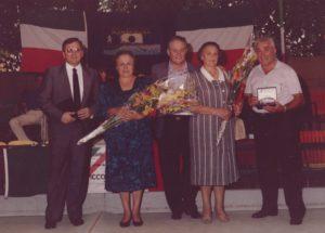 34 - Giulio Seniga e Anita Galliussi ad una manifestazione partigiana a Milano nel 1987.